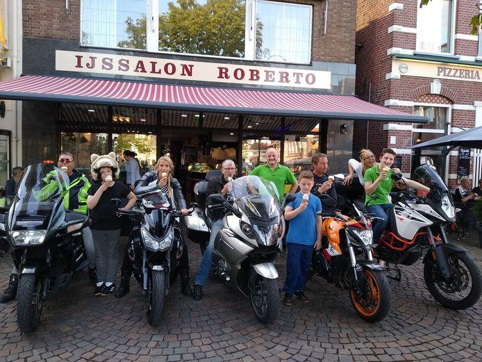 De organisatoren van de motortoerrit voor kinderen die leven in armoede nemen een voorproefje op het evenement van 8 september.
