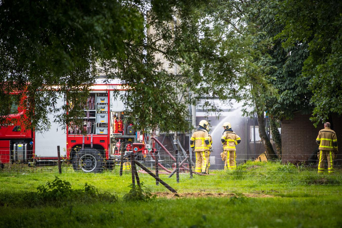 Brand in stal in Nijbroek (gemeente Voorst)