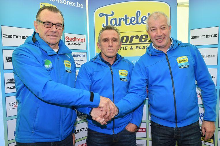 Ronny De Vos en Peter Bauwens met Danny De Bie.