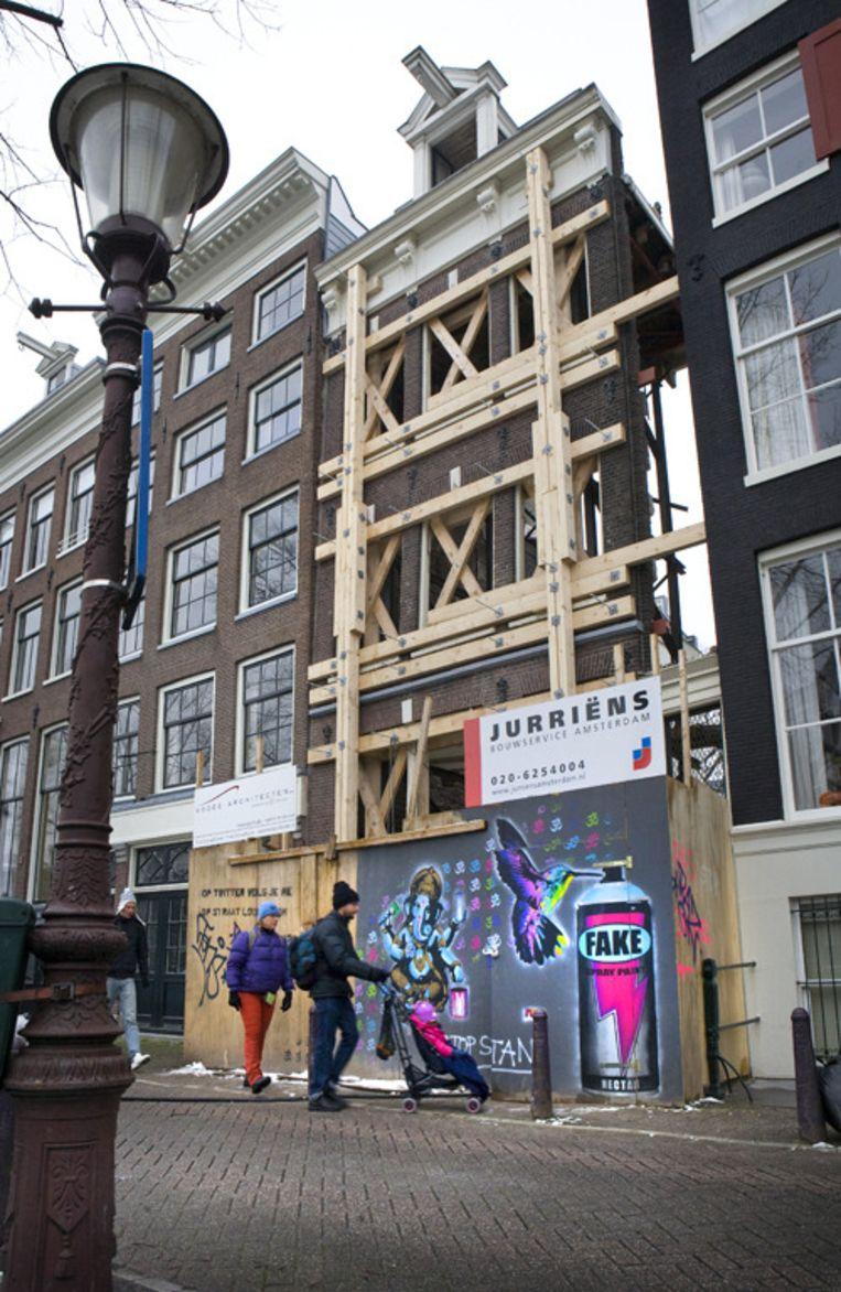 Alleen de gevel van Prinsengracht 43 staat er nog. Foto Floris Lok Beeld