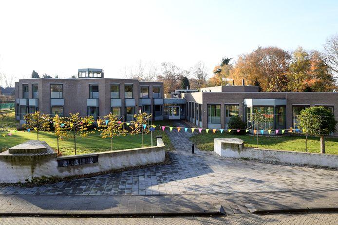 Het voormalige broederhuis Glorieux in Dongen is klaar voor de huisvesting van een kleine honderd voornamelijk Poolse arbeidsmigranten.