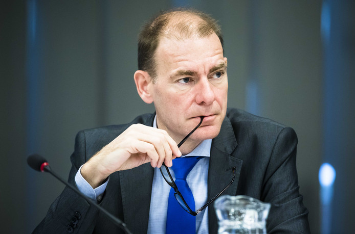 Archiefbeeld: Staatssecretaris Menno Snel van Financien (D66) tijdens een debat over de Eurogroep en Ecofin Raad