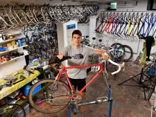 Fietsfanaat Dirk-Jan heeft kelder vol oude racefietsen: 'Uit de hand gelopen hobby'