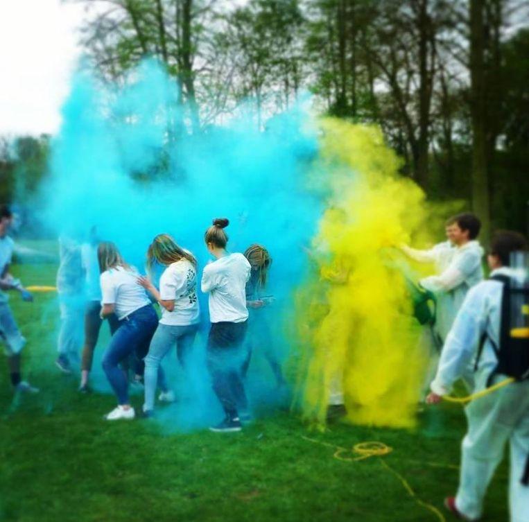 De organisatie oefende al een keer en dat leverde dit kleurrijke beeld op.