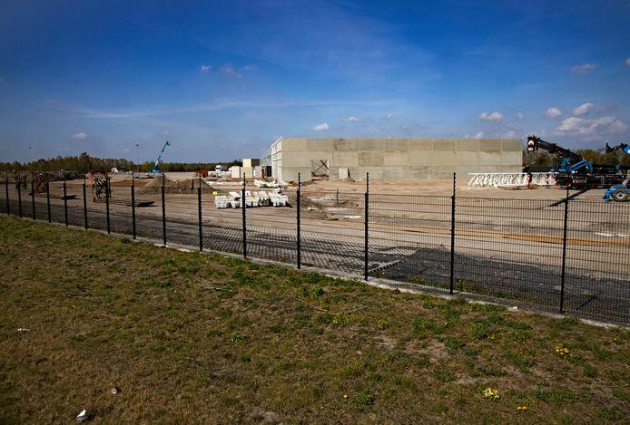 Illegale bouw loodsen aan de Havenweg in Budel-Dorplein.