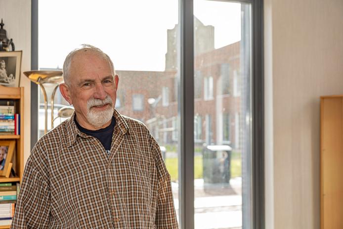 Theo van Wijngaarden is 'stik tevreden' in zijn nieuwe levensloopbestendige woning in de Zierikzeese wijk Buzee.