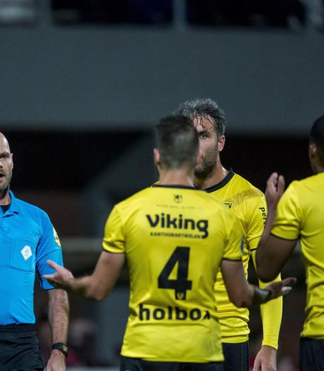 VVV'er Janssen drie duels geschorst na rood tegen Emmen