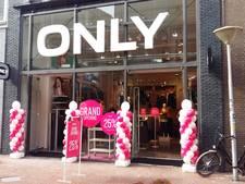 Ballonnen en roze champagne bij mega-Only in Eindhoven
