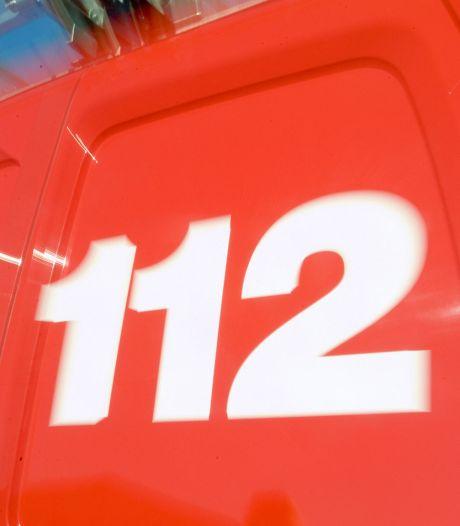Middelgrote brand in Leenderbos: door warmte fysiek zware inzet voor brandweer