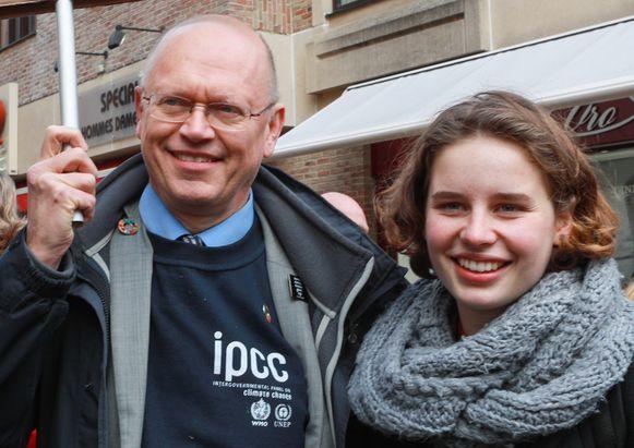 UCLouvain-klimaatprofessor Jean-Pascal van Ypersele (63) en activist Anuna De Wever (18) leerden elkaar kennen op de klimaatbetogingen.