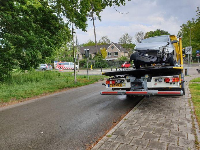 De auto moest worden afgesleept.