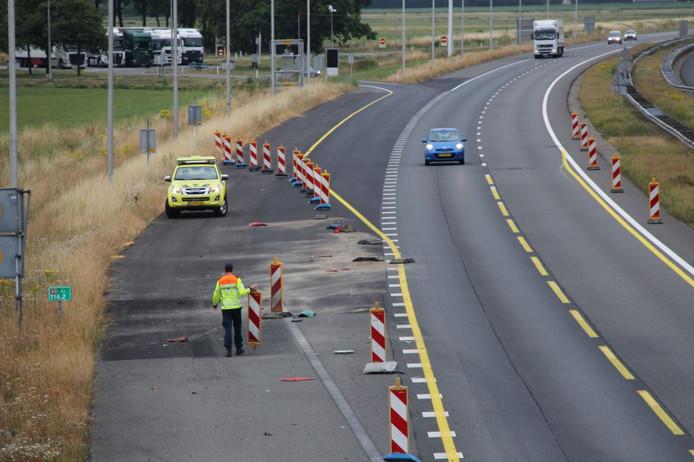 De automobilist reed dwars door de afzetting op de snelweg bij Bathmen.