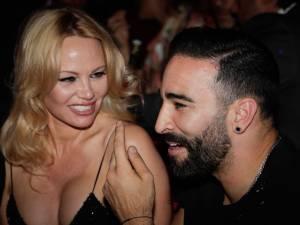Pamela Anderson dit tout sur les infidélités et la violence d'Adil Rami