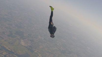 63-jarige Overijsenaar verbreekt wereldrecord speed-skydiven: waaghals haalt 506,35 kilometer per uur