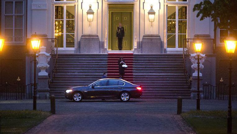 Voorzitter van de Tweede Kamer Gerdi Verbeet verlaat paleis Huis ten Bosch. Beeld anp