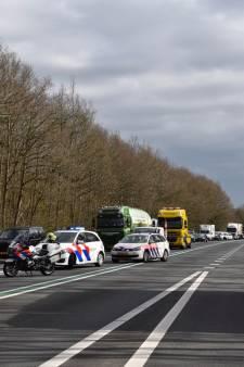 Man (27) uit Almelo omgekomen bij ongeluk op 'beruchte weg'