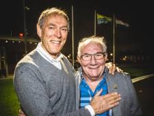 'Keessie' Verkerk signeert biografie in kantine Puttershoekse ijsclub