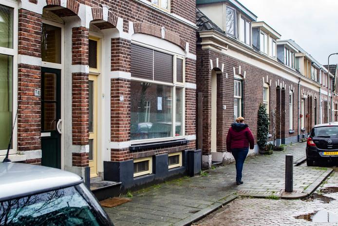 Rondom het door de burgemeester gesloten pand hing eind januari een penetrante wietlucht. De buurt schakelde vervolgens de politie in.