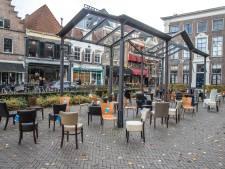 83 lege stoelen in Nijmegen voor 83 Gelderse verkeersdoden