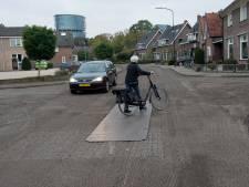 Asfalt te vroeg eraf, aannemer mag Sterrenlaan herstellen in Apeldoorn