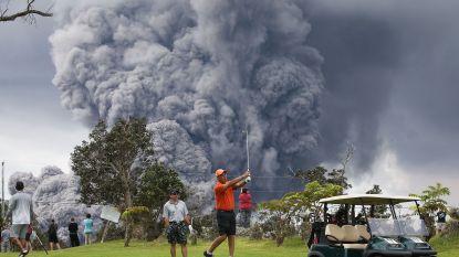 Een vulkaanuitbarsting of een bosbrand? Altijd blijven golfen!