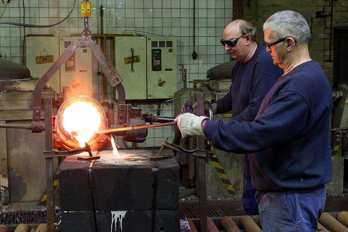 Klein onderdeel van het productieproces bij Melis Gieterijen.