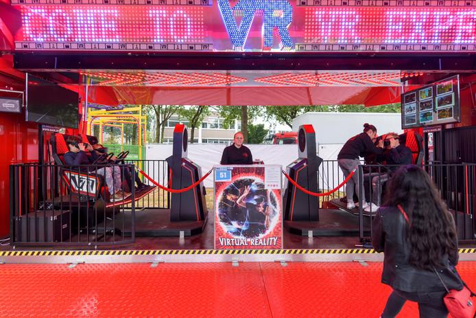 Kiki Stroucken staat met haar gloednieuwe attractie VR experience op Park Hilaria.