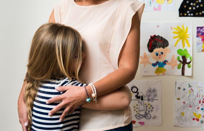 De boodschap in de brief: ouders mogen niet meer zichzelf met een persoonsgebonden budget inhuren om hulp of ondersteuning te geven aan hun kind.