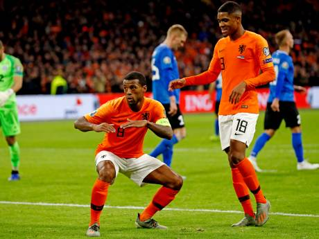 Wijnaldum gidst Oranje met hattrick voorbij Estland