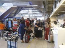 Problemen met bagageband op Eindhoven Airport opgelost: meerdere reizigers missen vlucht
