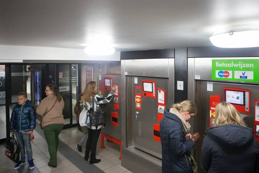 Betalen bij de automaten in Veenendaal