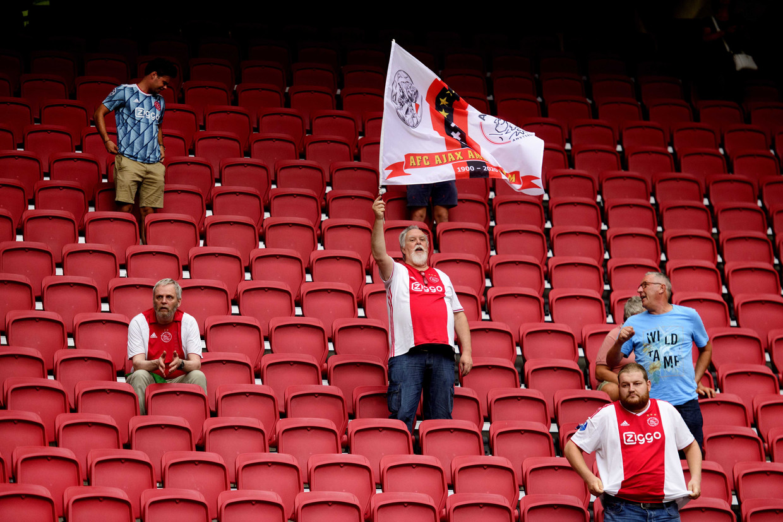 Ajacieden ten tijde van corona in de Johan Cruijff Arena.
