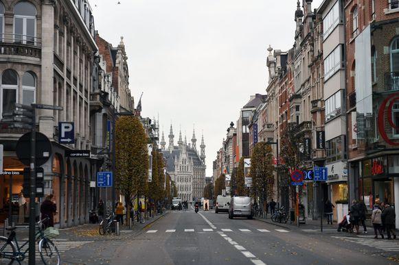 De Bondgenotenlaan is een pijnpunt in Leuvense leegstand. Tegelijk is het de toegangspoort naar de historische binnenstad en dat maakt de leegstand des te pijnlijker.