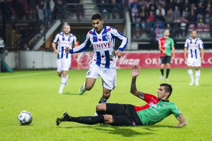 Tarik Kada (r), in actie namens sc Heerenveen