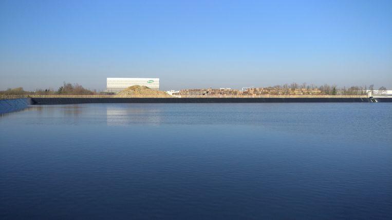 Het indrukwekkende spaarbekken van Ardo dan niet minder dan 150 miljoen liter water kan opslaan.