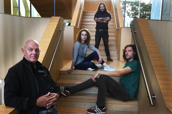 The Passengers  met van links naar rechts Thomas Kroon, Maartje Meijssen, Fabian van der Linden en Maarten Willemsen ( bandlidTim Damhuis ontbreekt op de foto).