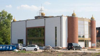 """Truiense sikhgemeenschap legt laatste hand aan buitenkant nieuwe tempel: """"We hopen in april 2021 te openen"""""""