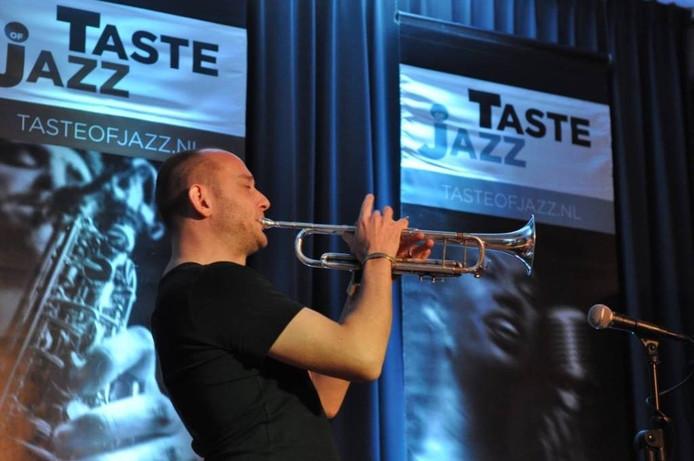 Trompettist Jan van Duikeren zorgde vorige maand voor een uitverkochte Fermerie.