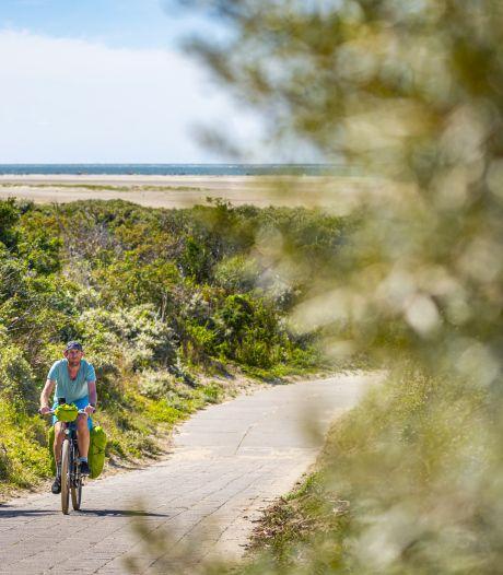 Fietsroute langs Zeeuwse kust maakt kans op prijs