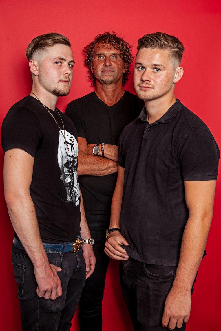 Hans van den Pol (53), Mads van den Pol (21) en Kaj van den Pol (18). Beeld Ernst Coppejans