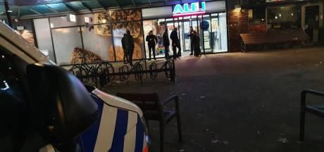 Nieuwe aanhoudingen na gewapende overval op Aldi waarbij verdachten verborgen zaten in magazijn