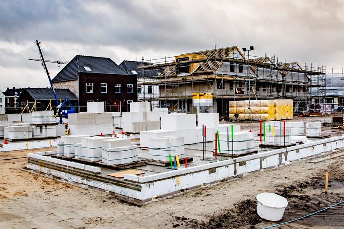 Bouwwerkzaamheden elders in het land. Zo ziet Huurdersbelangenvereniging HBV het ook in Etten-Leur graag want er  is grote behoefte aan nieuwe sociale huurwoningen.