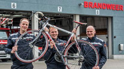 """Brandweermannen fietsen voor het goede doel 905 kilometer naar Dublin: """"De wind kan onze grootste vijand zijn"""""""