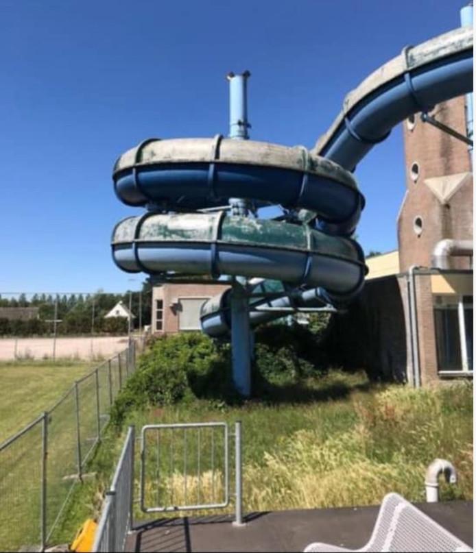 Laurens Heerdink uit Ootmarsum bood deze week een waterglijbaan van tientallen meters te koop aan op Facebook en wist niet wat hem overkwam.