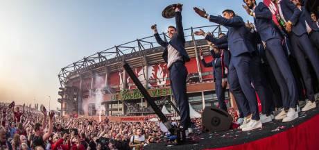 Teruglezen | Tienduizenden fans huldigen kampioen FC Twente