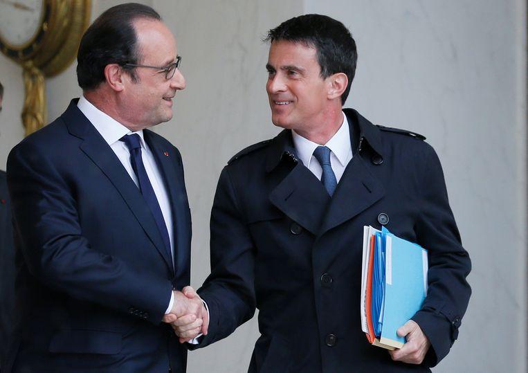 President Hollande en premier Valls hopen vandaag de gecontesteerde arbeidswet in voege te laten treden.