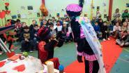 Zwarte Piet en Zwarte Miet trouwen op Meiroos