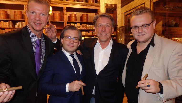 A tribute to the Dutch cigar: Hans Sijmons (Hajenius), François-Léon van der Velden, entrepreneur Theo den Bieman en zanger Davey Bindervoet (vlnr) Beeld Schuim