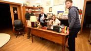 CD&V-ers gooien zaterdag het antieke bureau van de burgemeester op straat