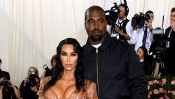 """Kim Kardashian heeft het gehad met Kanye, is er dan toch een scheiding op til? """"De papieren liggen al klaar"""""""